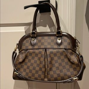 LV Damier Ebene Trevi PM bag 100% authentic